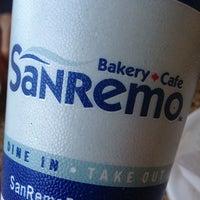 Das Foto wurde bei SanRemo Bakery von Nicholas am 3/10/2013 aufgenommen