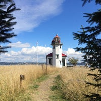 Photo taken at Point Robinson Lighthouse by Michael C. on 9/4/2016