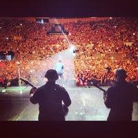Photo taken at Palacio Vistalegre Arena by Gio W. on 6/17/2013