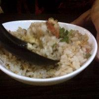 Photo taken at Hana Japanese Restaurant by Tengku Farid Iskandar on 9/26/2012