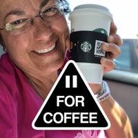 Foto diambil di Starbucks oleh Maria P. pada 8/8/2018