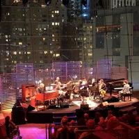 Foto tomada en Jazz at Lincoln Center por Norman E. el 9/16/2018
