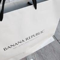 Photo taken at Banana Republic by Norman E. on 10/22/2014