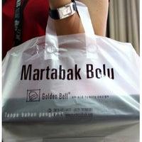 Photo prise au Martabak Bolu Golden Bell par Martabak Bolu G. le11/20/2013