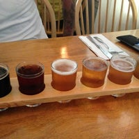 Photo taken at Moat Mountain Smoke House & Brewing Co. by Alison T. on 6/1/2013