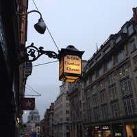 Photo taken at Ye Olde Cheshire Cheese by Michael A. on 4/23/2014