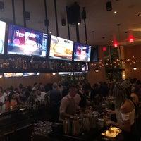 Снимок сделан в Moxie's Grill & Bar пользователем Jonathan G. 7/22/2018