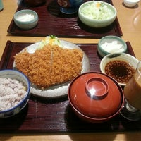 Photo taken at かつ敏 浦和美園店 by 信 中. on 10/10/2015