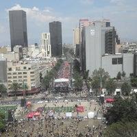 Foto diambil di Mirador Monumento a la Revolución Mexicana oleh MarKo P. pada 4/19/2014