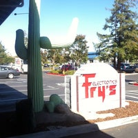 Photo taken at Fry's Electronics by Tom S. on 9/24/2013
