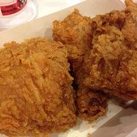 Photo taken at KFC by Zav Cgo ®™ . on 3/12/2014