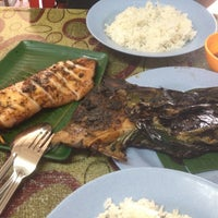Photo taken at Medan Ikan Bakar Bellamy by Johann O. on 4/27/2013