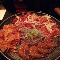 Das Foto wurde bei Juki - Korean BBQ and Soju Bar von Ashiralieva B. am 12/12/2013 aufgenommen