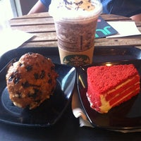 Photo taken at Starbucks by Diea Nadea on 1/5/2013
