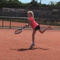 Photo taken at Tennisvereniging Denekamp by Maikel G. on 5/21/2017