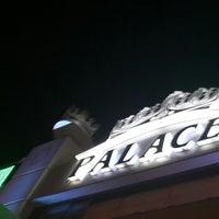 7/28/2013 tarihinde Emre`ziyaretçi tarafından Palace Cafe Restaurant & Bowling'de çekilen fotoğraf