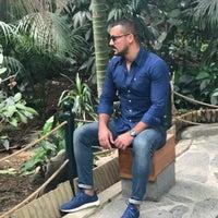 Foto tirada no(a) Burhaniye Mahallesi Metrobüs Durağı por Necati Ergin A. em 11/19/2017