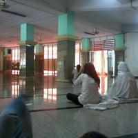 Photo taken at Masjid Al-Muhajirin by Nafisah I. on 9/8/2013