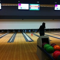 Photo taken at Bowling Stones by Kim⚜ on 11/25/2012