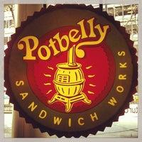 1/16/2013 tarihinde Jared C.ziyaretçi tarafından Potbelly Sandwich Shop'de çekilen fotoğraf