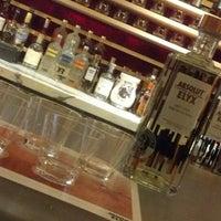 Foto scattata a Civil Cigar Lounge da Vanessa @. il 4/1/2013