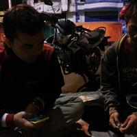 Photo taken at Mie Jakarta Pak Dono by Dimas Santoso Rahmadi on 10/5/2013