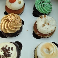 Photo taken at The Sweet Tooth - Cupcakery and Dessert Shop by Cathy B. on 10/27/2012
