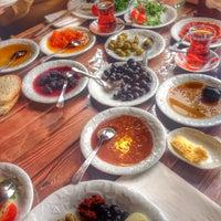 2/23/2015 tarihinde Nurcan E.ziyaretçi tarafından Maruf Kahvaltı & Unlu Mamülleri'de çekilen fotoğraf