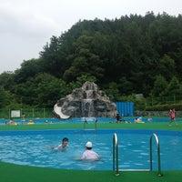 Photo taken at 반디랜드 야외물놀이장 by 소리성 on 7/28/2013