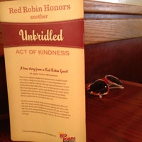 Photo taken at Red Robin Gourmet Burgers by Kevin J. on 8/28/2012