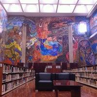 Foto tomada en Biblioteca Miguel Lerdo de Tejada por Alejandra L. el 9/11/2013