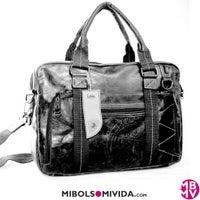 Photo taken at Bolsos Helena - Sakelo Bags by Bolsos Helena - Sakelo Bags on 7/27/2013