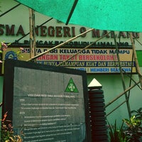 Photo taken at SMA Negeri 9 Malang by Ilham A. on 10/9/2013
