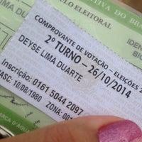 Photo taken at Centro de Ensino Fundamental 1 do Cruzeiro (CEF 1) by Deyse L. on 10/26/2014