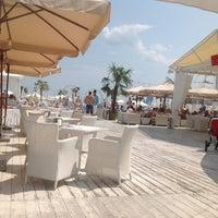 7/27/2013 tarihinde Natalia R.ziyaretçi tarafından Ibiza Beach Club'de çekilen fotoğraf