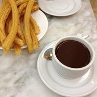 Foto tomada en Chocolatería San Ginés por tsuyosson el 4/20/2013