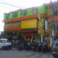 Photo taken at Coco Mart by jeksen E. on 3/18/2014