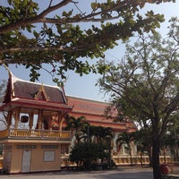 Photo taken at Wat Thap Sakae by Tooktoo T. on 1/25/2014