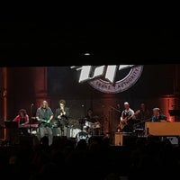 Foto tirada no(a) Music Box por Elizabeth F. em 11/6/2016