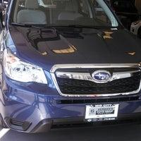 8/24/2013 tarihinde Tom E.ziyaretçi tarafından Mid City Subaru'de çekilen fotoğraf