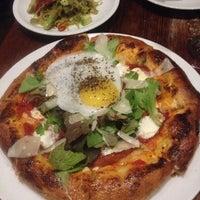 Foto scattata a Coltivare Pizza & Garden da Jeremy S. il 3/1/2014