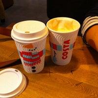 Снимок сделан в Costa Coffee пользователем Maria W. 11/19/2014
