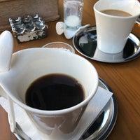 11/25/2017 tarihinde Akin A.ziyaretçi tarafından Kropka Coffee&Bakery'de çekilen fotoğraf