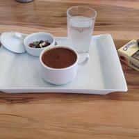 Photo taken at Lifeme Cafe & Food by Sevgi Y. on 6/12/2014