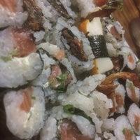 Foto tirada no(a) Rafa Sushi por Lucas S. em 12/16/2016
