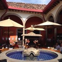 Foto tomada en El Rey de Las Carnitas por Ross el 9/16/2016