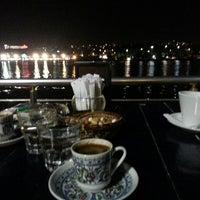 Foto scattata a Mavi Haliç Cafe da TC  Tuğba Ö. il 7/31/2013