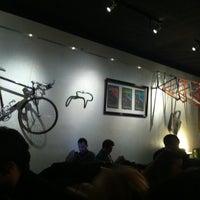 Foto tomada en 33/45 por Naomi C. el 12/26/2012
