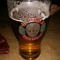 Снимок сделан в Ye Olde Salutation Inn пользователем Robert D. 12/16/2016
