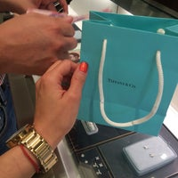 Foto tomada en Tiffany & Co.  por Marce A. el 10/31/2015